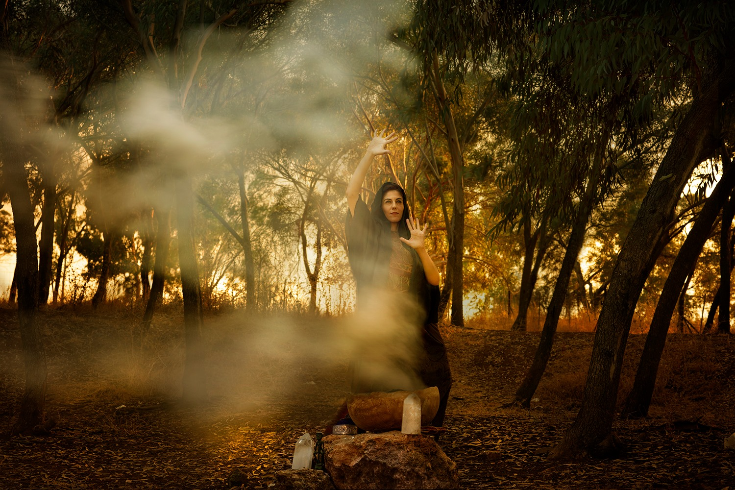 Witch of Endor ״And when the woman saw Samuel, she cried with a loud voice; and the woman spoke to Saul, saying: 'Why hast thou deceived me? for thou art Saul.' ״ Samuel 1 28, 12